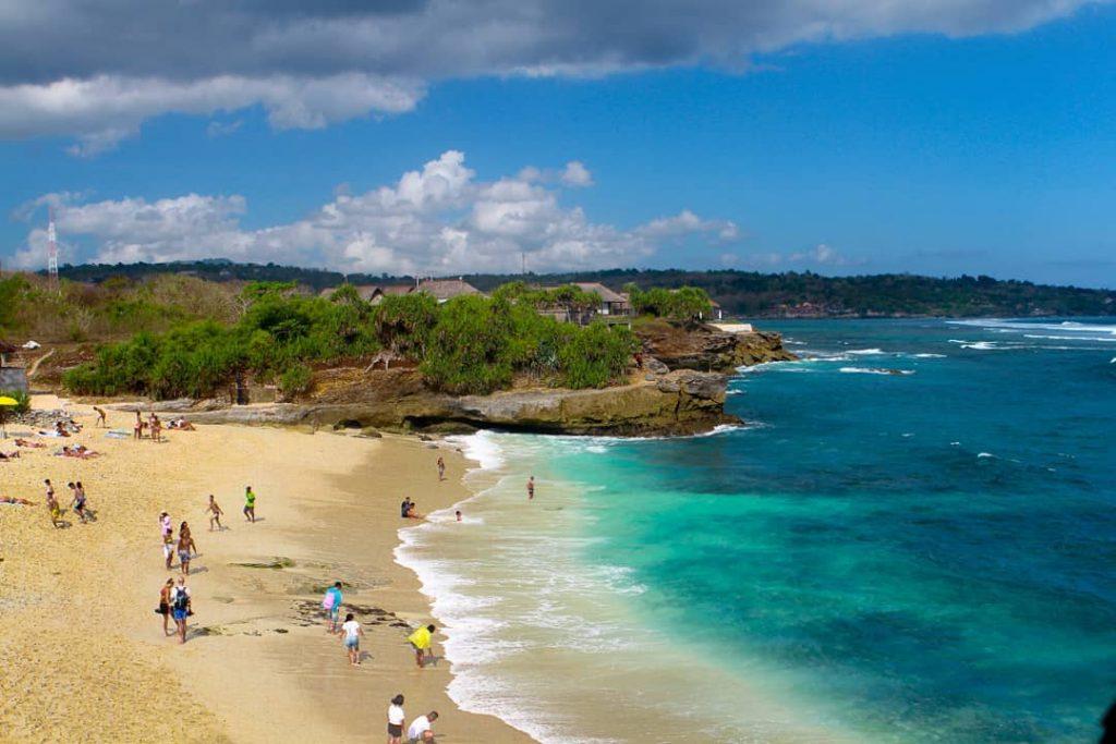 Dream-Beach-Nusa-Lembongan-via-@alextony03