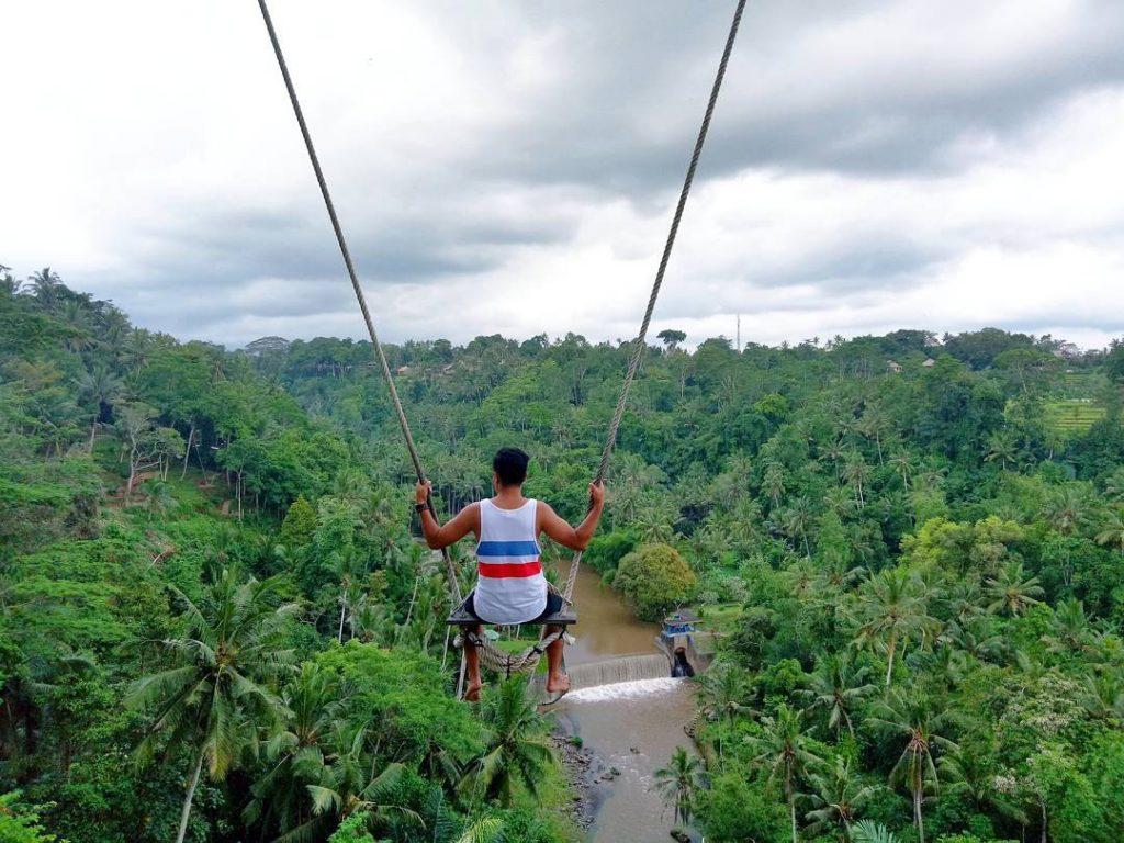 Bali-swing-bongkasa-explorewisata-