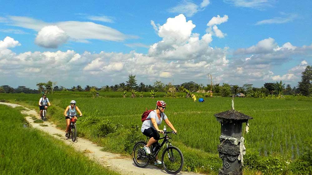 CYCLING-BALI
